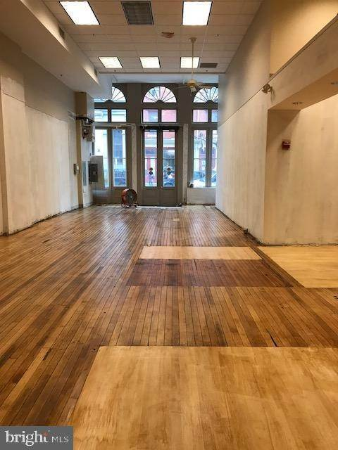 4. Retail for Sale at 28 N 3RD ST #1 Philadelphia, Pennsylvania 19106 United States