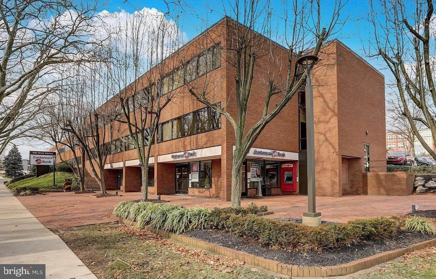 Offices for Sale at 1001-1015 PENN Avenue Wyomissing, Pennsylvania 19610 United States