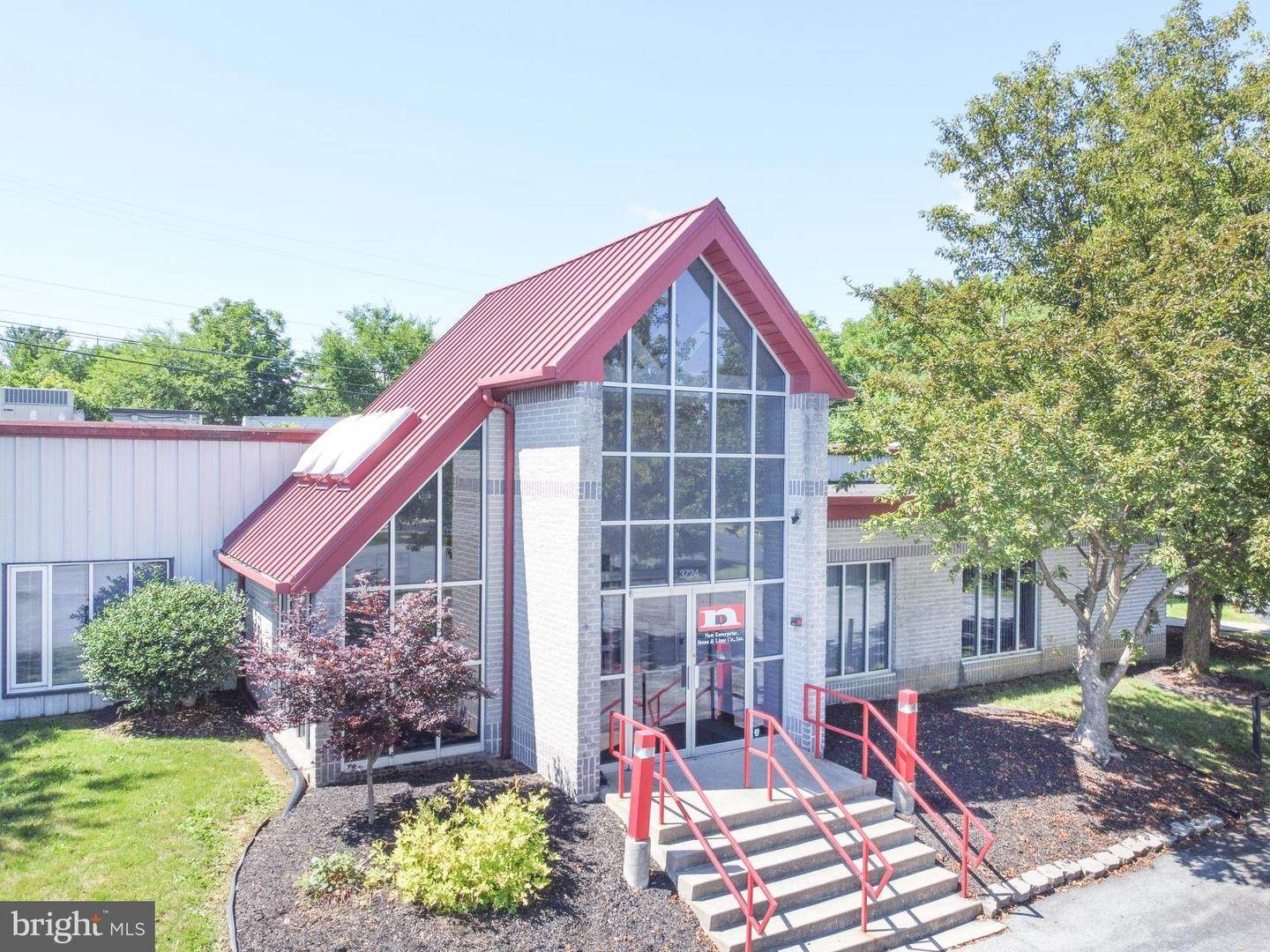 Offices for Sale at 3724 CRESCENT CT W Whitehall, Pennsylvania 18052 United States