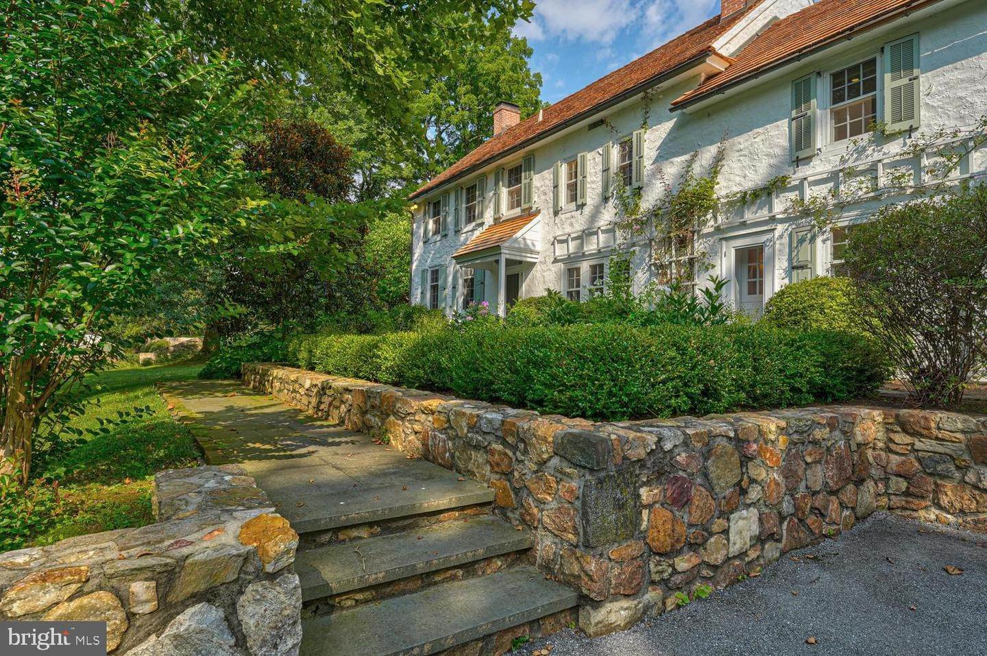 Detached House for Sale at 401 W LOCUST Lane Kennett Square, Pennsylvania 19348 United States
