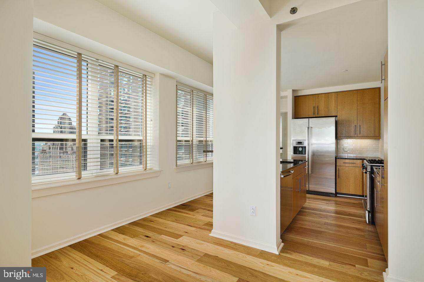 10. Condominiums for Sale at 1425 LOCUST ST #27B Philadelphia, Pennsylvania 19102 United States