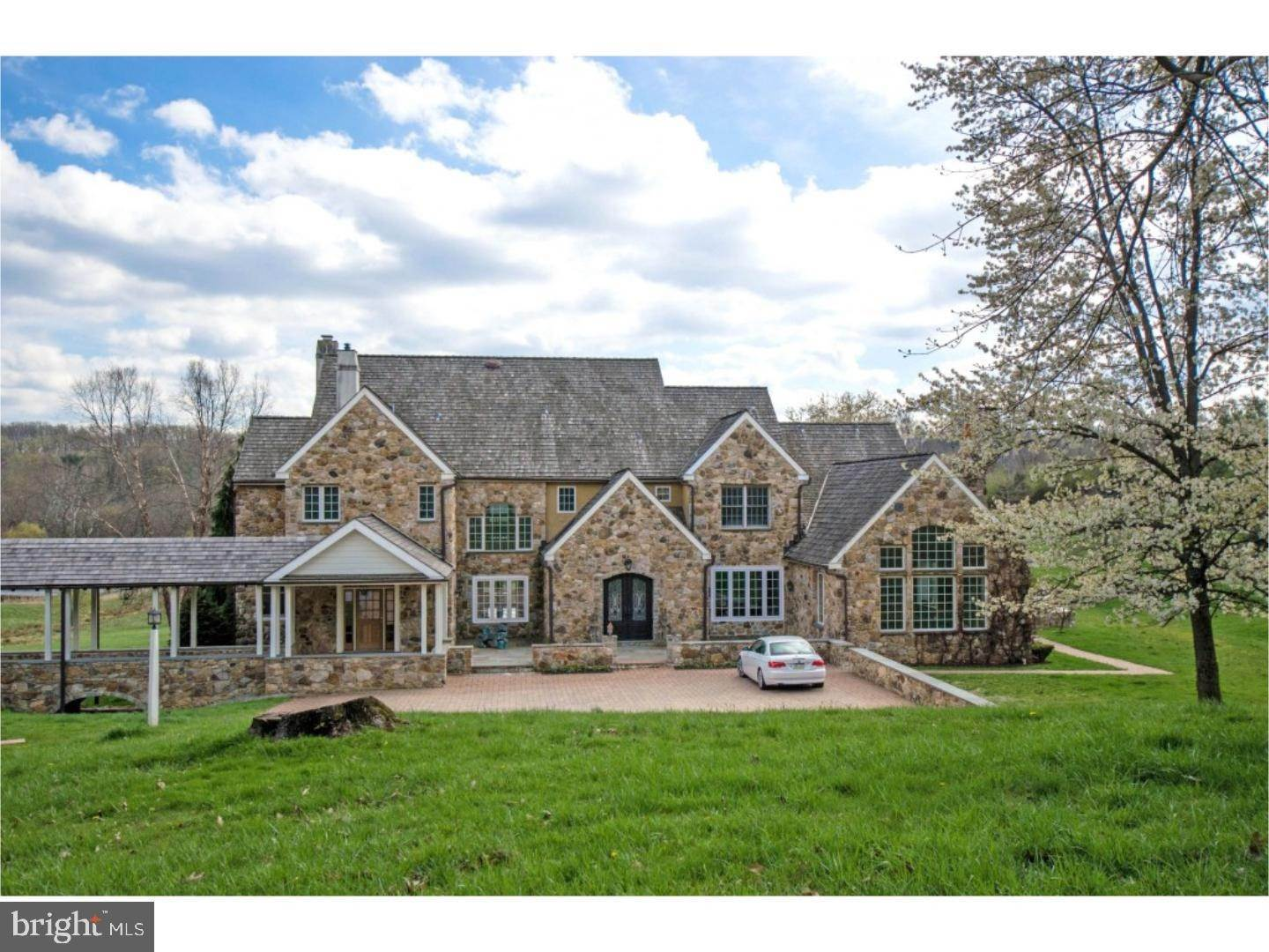 2. Detached House for Sale at 38 HARRISON Drive Newtown Square, Pennsylvania 19073 United States