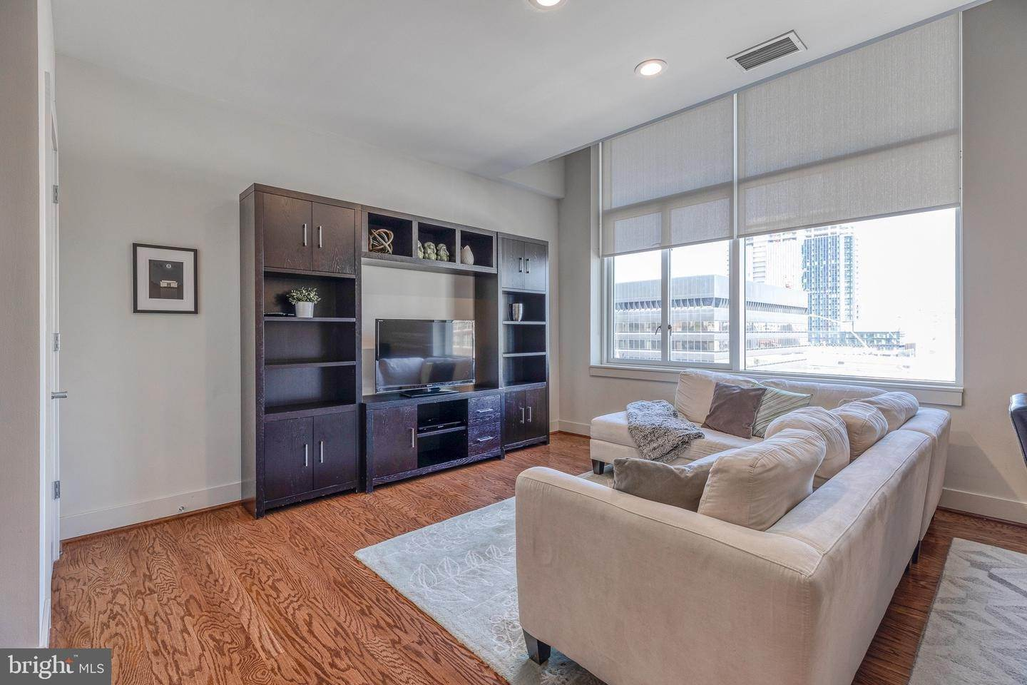 8. Apartments for Sale at 23 S 23RD ST #5B Philadelphia, Pennsylvania 19103 United States
