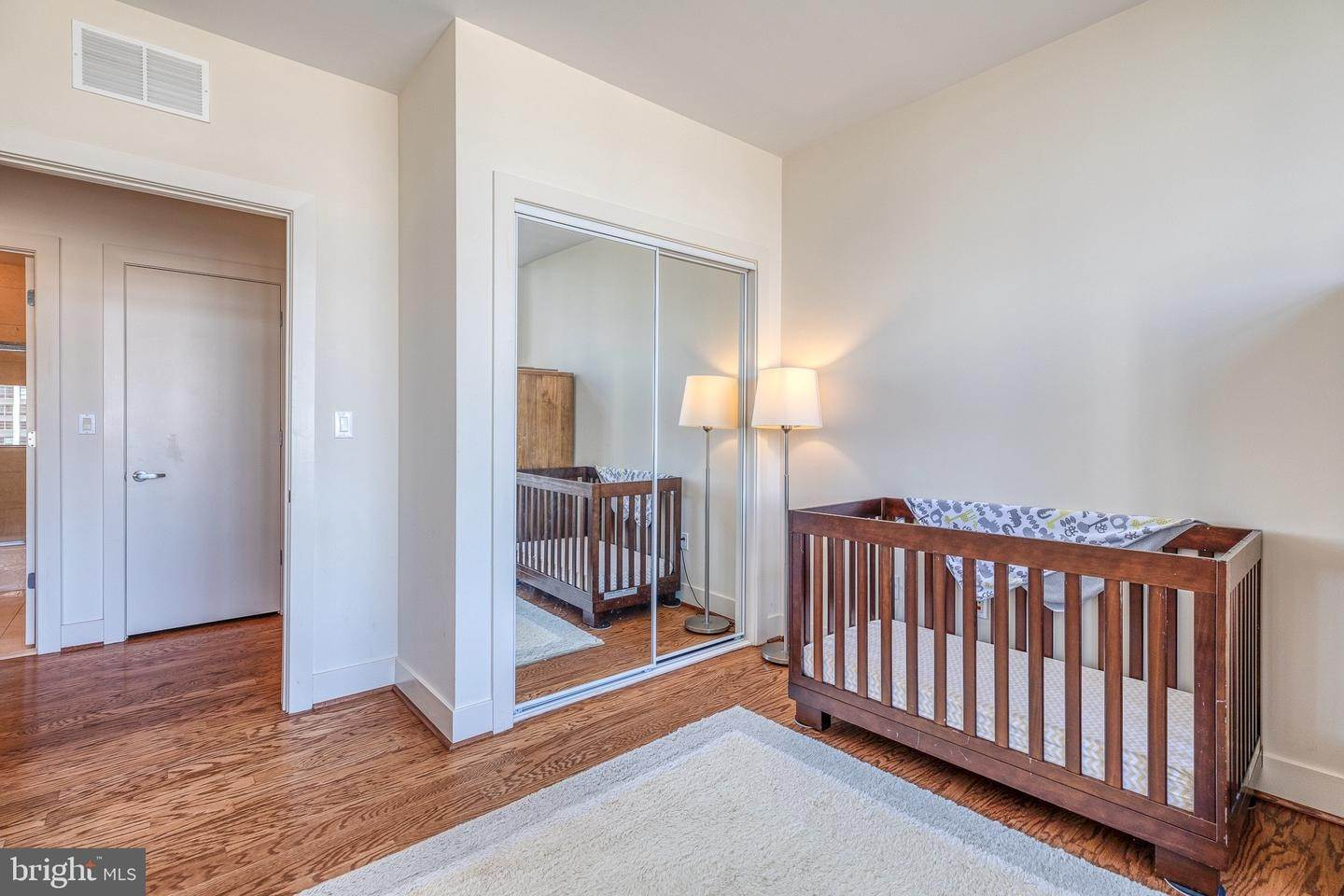 20. Apartments for Sale at 23 S 23RD ST #5B Philadelphia, Pennsylvania 19103 United States