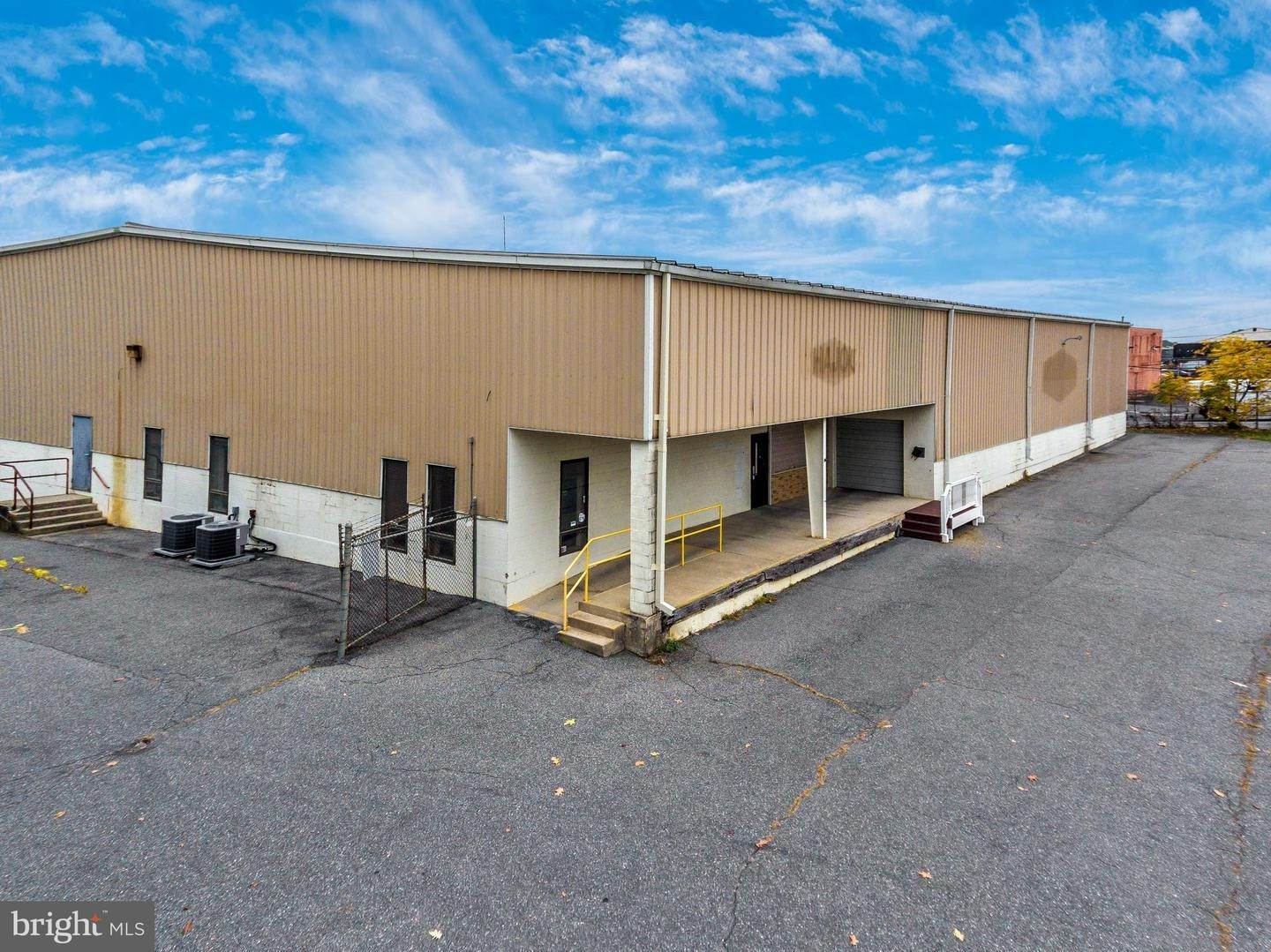 Commercial for Sale at 601-623 E HIGHLAND Street Allentown, Pennsylvania 18109 United States