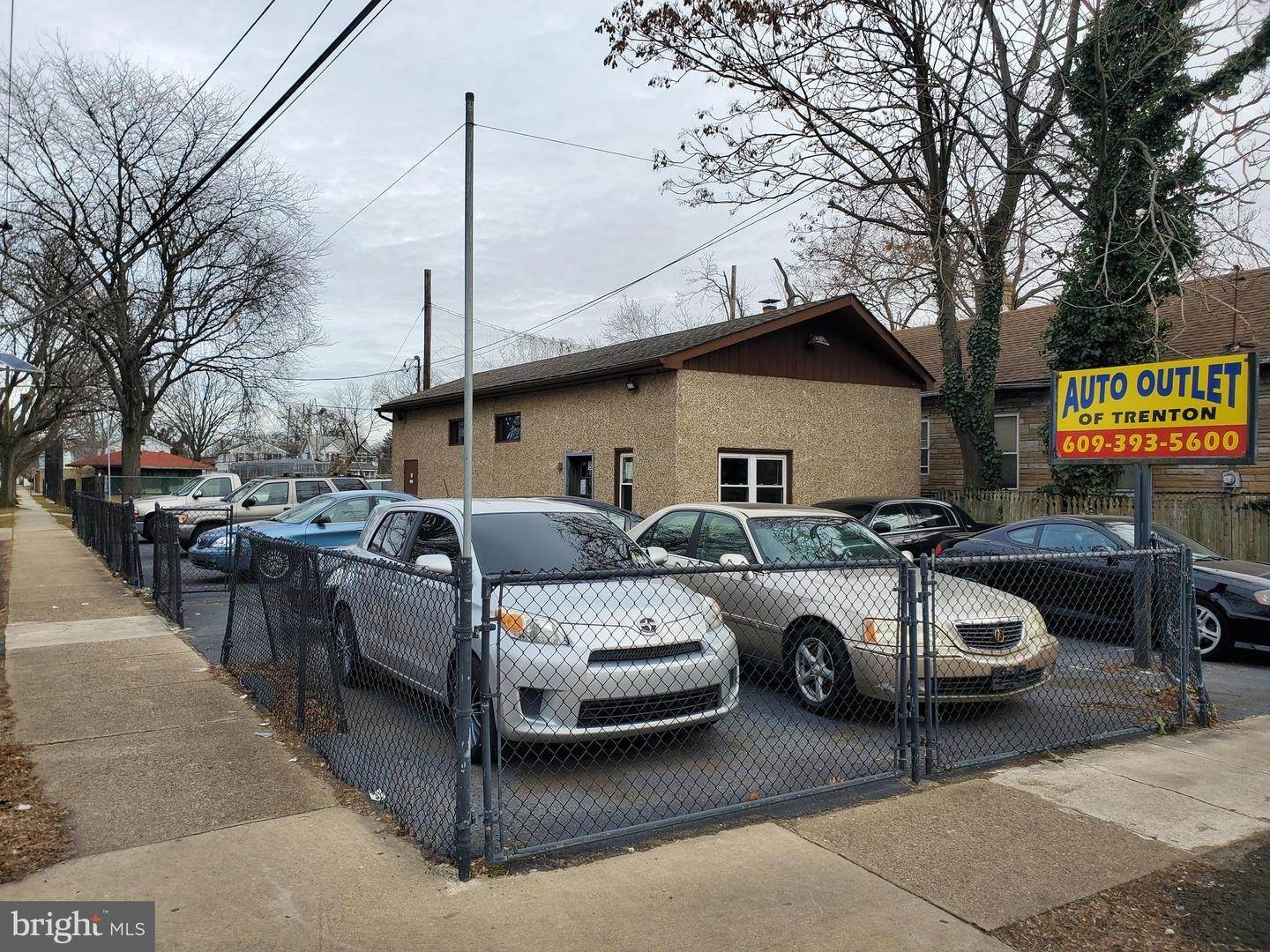Retail for Sale at 1004 CHAMBERS Street Trenton, New Jersey 08611 United States