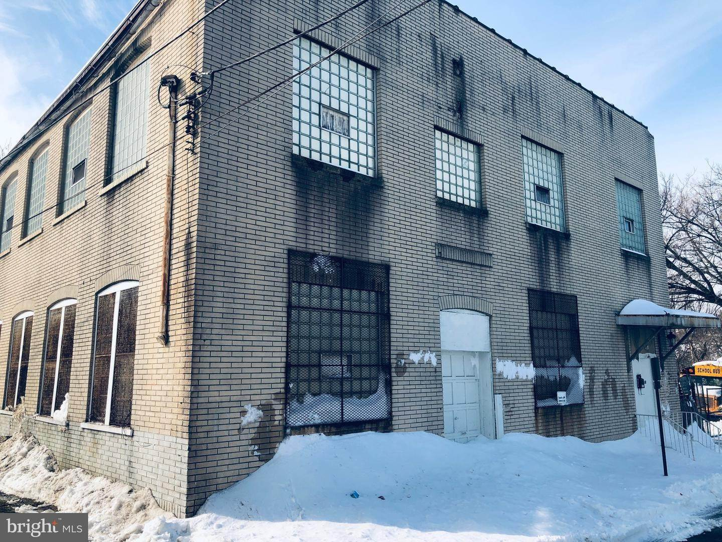 Industrial for Sale at 912-926 N LUMBER Street Allentown, Pennsylvania 18102 United States