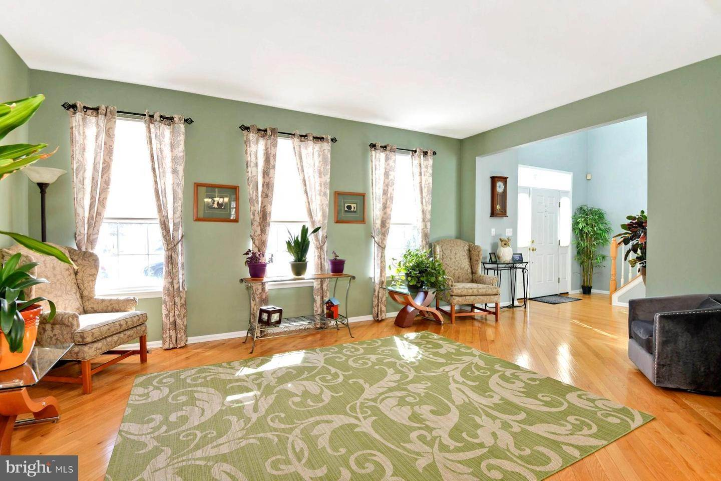 9. Detached House for Sale at 34 OAKMONT TER Hightstown, New Jersey 08520 United States
