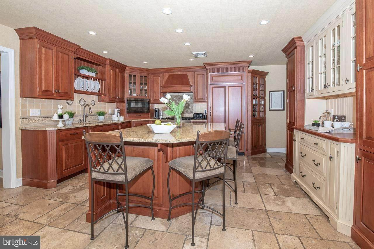 13. Detached House for Sale at 268 BERWIND Road Radnor, Pennsylvania 19087 United States