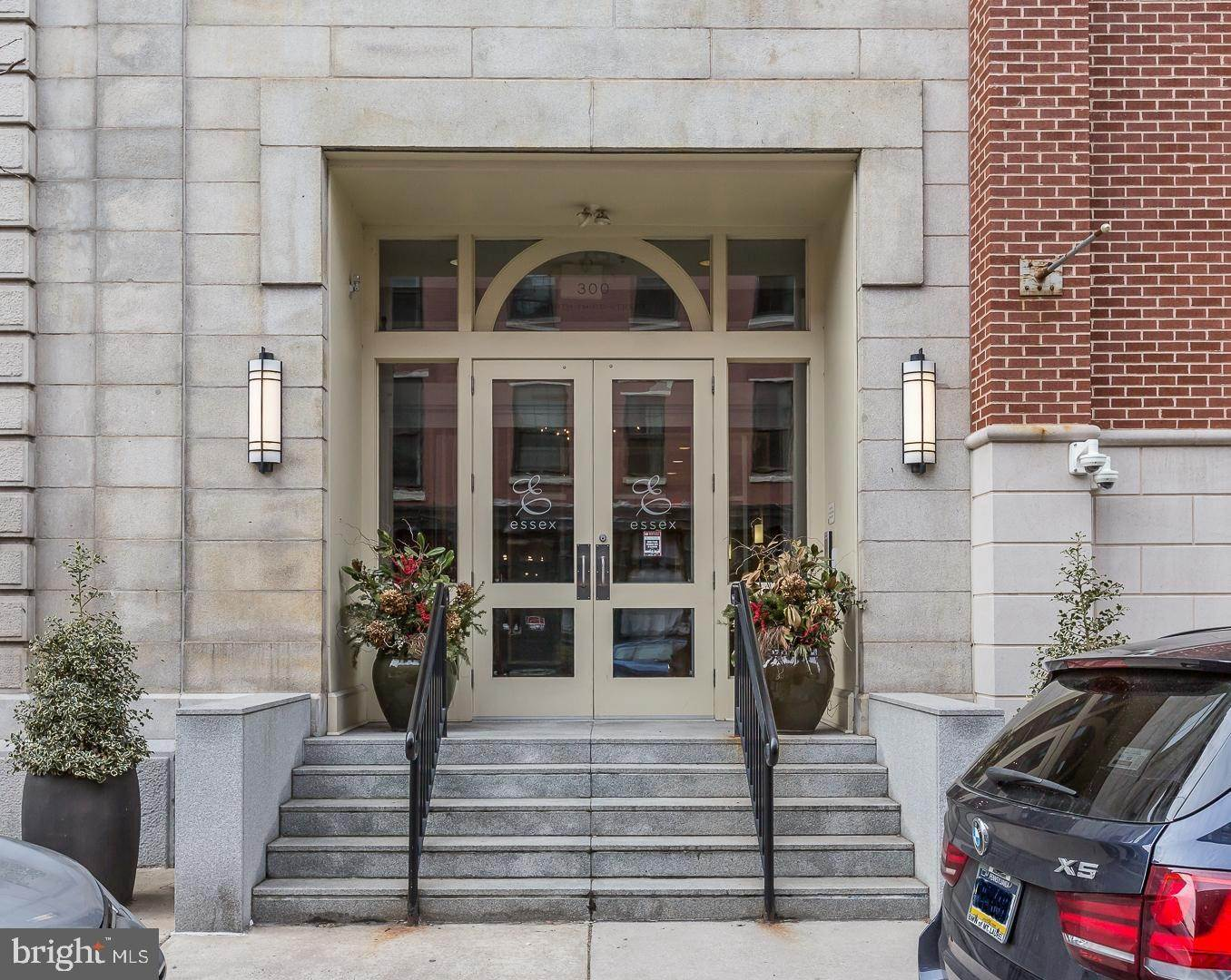 Condominiums for Sale at 300 N 3RD ST #212 Philadelphia, Pennsylvania 19106 United States