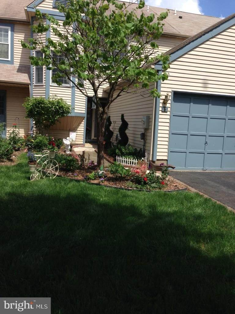 townhouses for Sale at 4 GOLDENROD Court Trenton, New Jersey 08690 United States