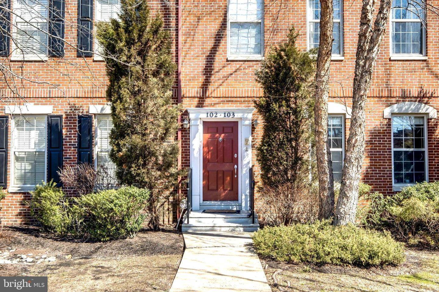 Condominiums for Sale at 102 GOVERNORS Court Philadelphia, Pennsylvania 19146 United States