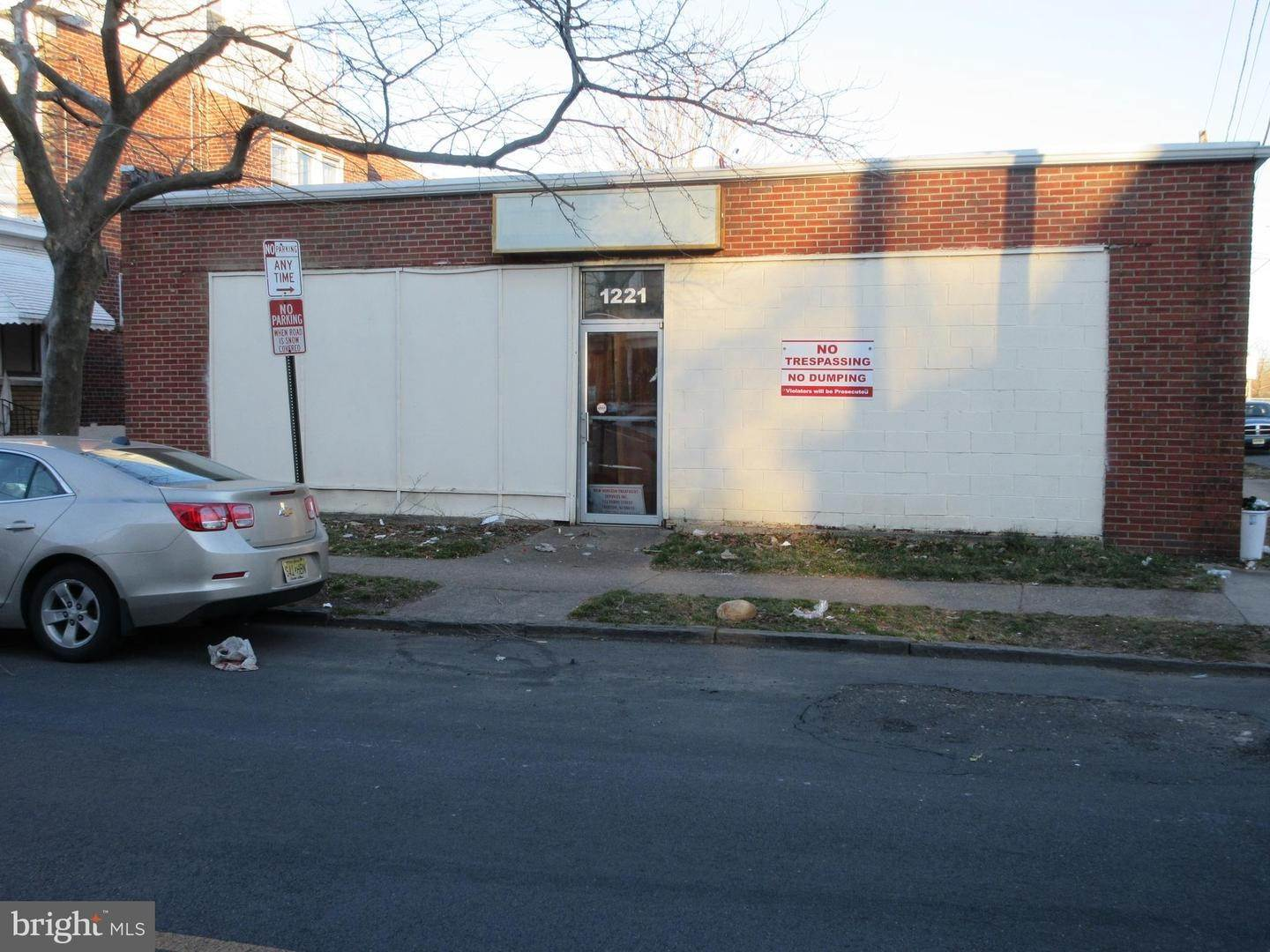 Retail for Sale at 1221 MARTIN LUTHER KING JR BLVD Trenton, New Jersey 08638 United States