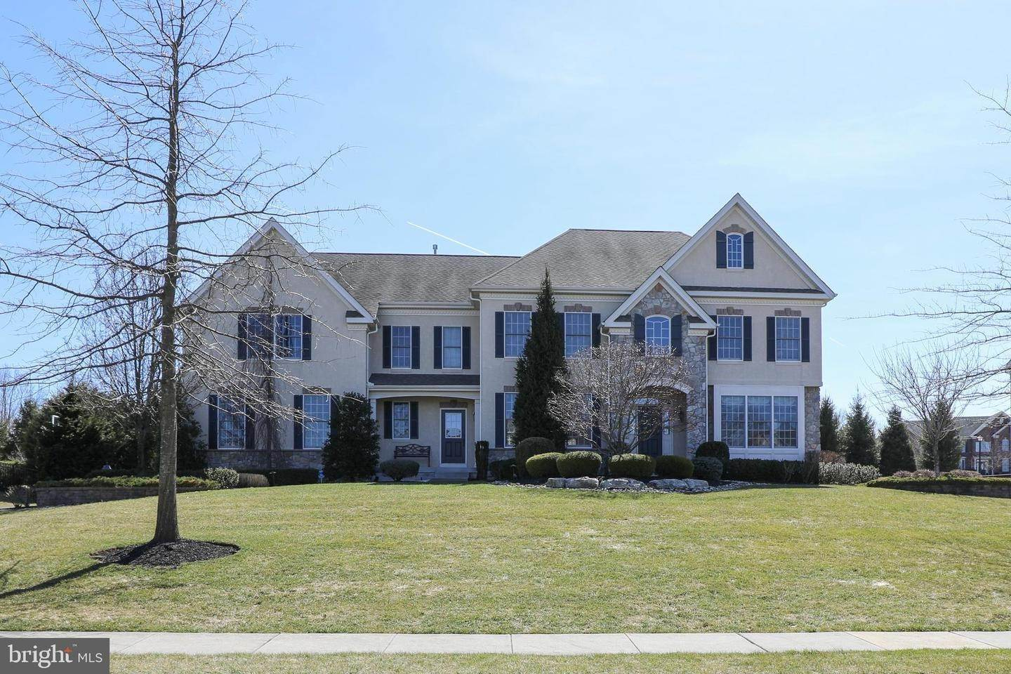 Detached House for Sale at 3 HILLVIEW Drive Newtown, Pennsylvania 18940 United States