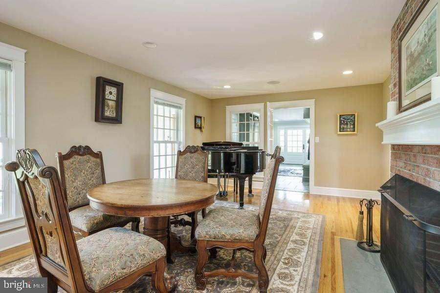 7. Detached House for Sale at 92 ELM RIDGE Road Princeton, New Jersey 08540 United States