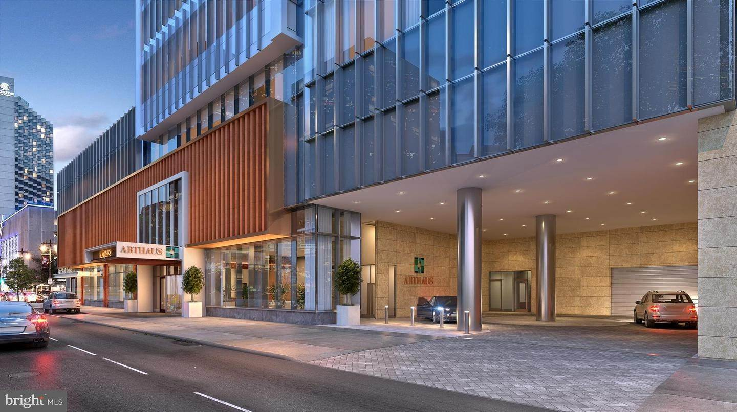 Condominiums for Sale at 301 S BROAD ST S #802 Philadelphia, Pennsylvania 19107 United States