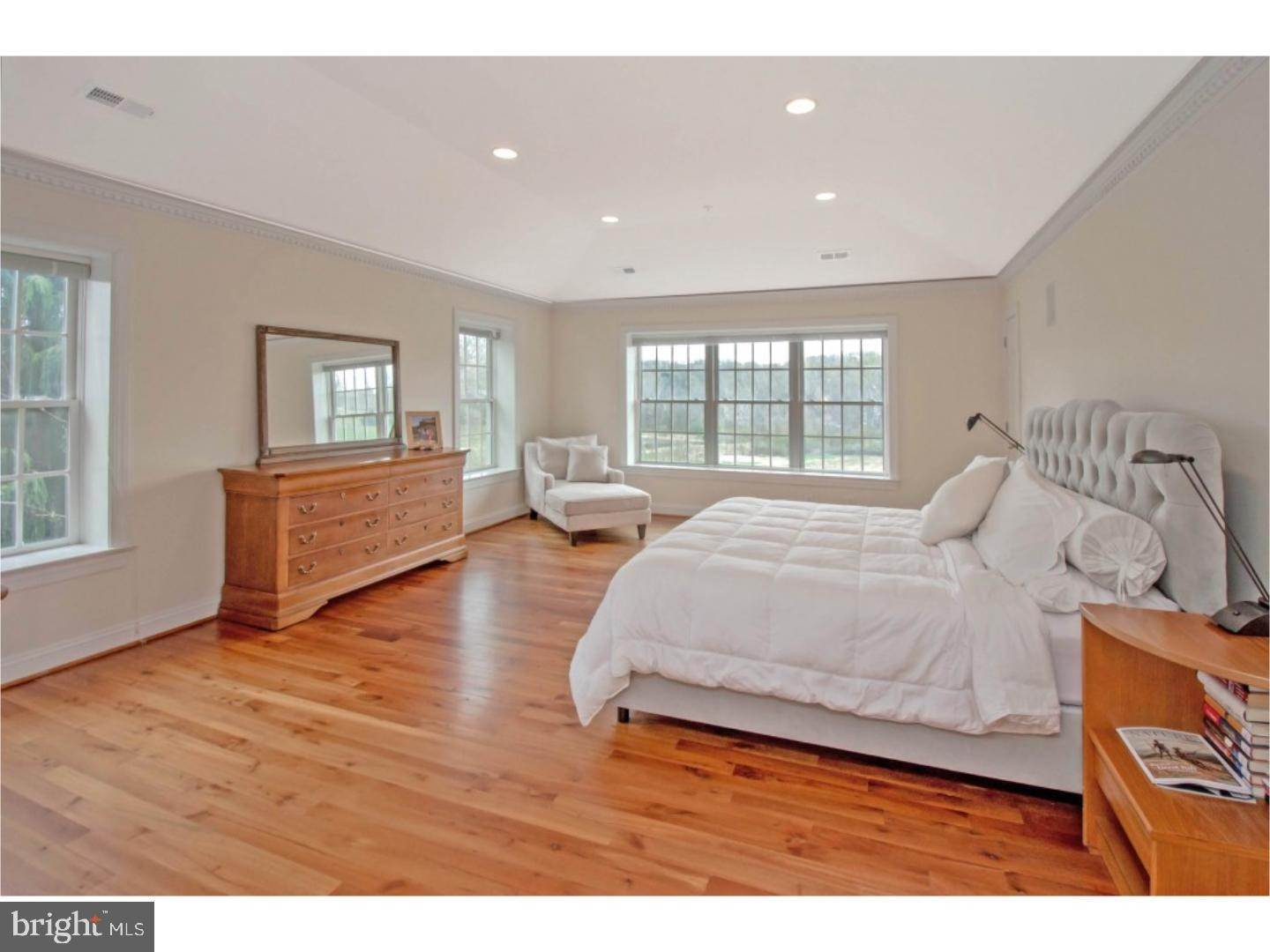 12. Detached House for Sale at 38 HARRISON Drive Newtown Square, Pennsylvania 19073 United States