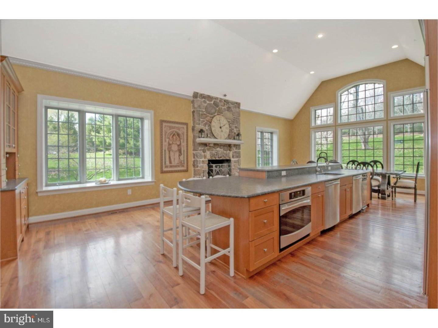 7. Detached House for Sale at 38 HARRISON Drive Newtown Square, Pennsylvania 19073 United States