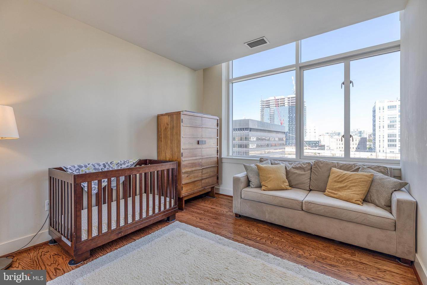18. Apartments for Sale at 23 S 23RD ST #5B Philadelphia, Pennsylvania 19103 United States