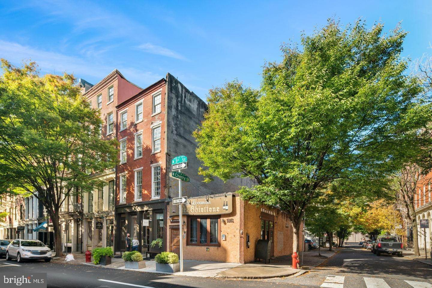 Land for Sale at 130 N 3RD Street Philadelphia, Pennsylvania 19106 United States