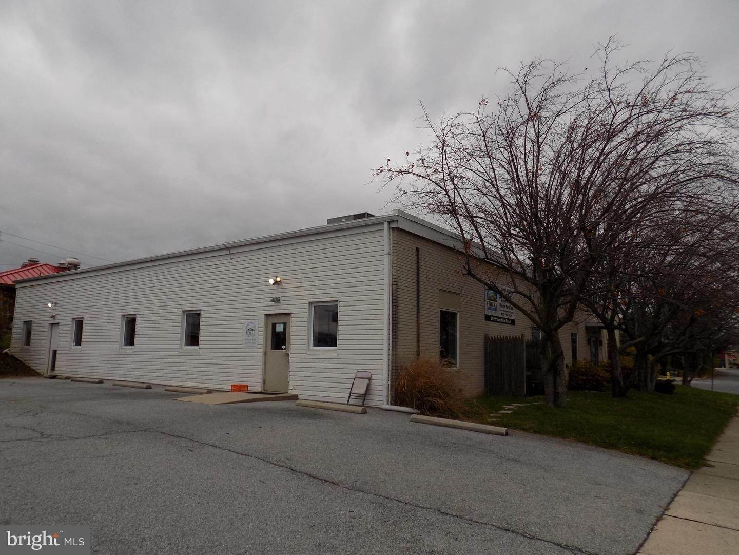 2. Commercial for Sale at 2402-2406 SUNSHINE Road Allentown, Pennsylvania 18103 United States