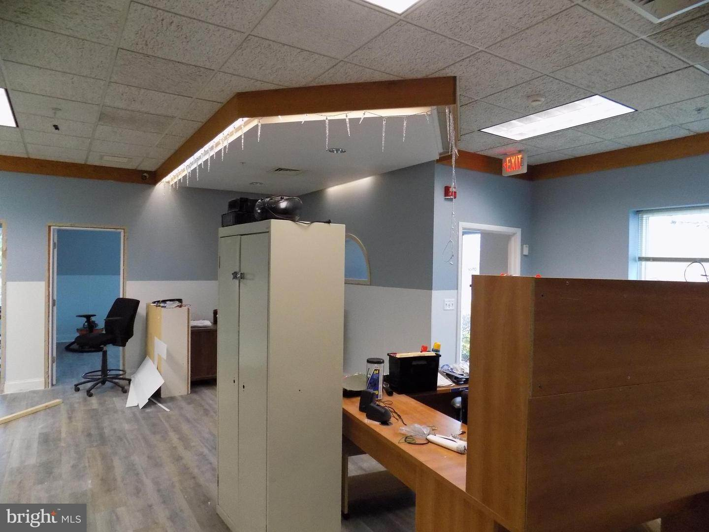 7. Commercial for Sale at 2402-2406 SUNSHINE Road Allentown, Pennsylvania 18103 United States