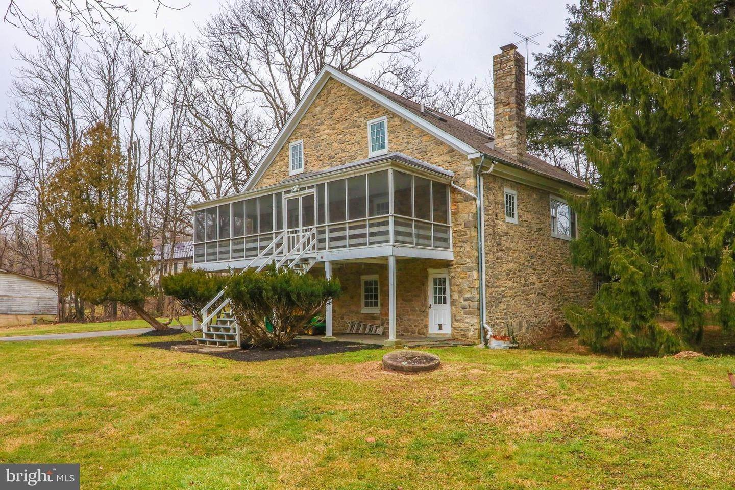 3. Detached House for Sale at 2837 FARR Road Emmaus, Pennsylvania 18049 United States