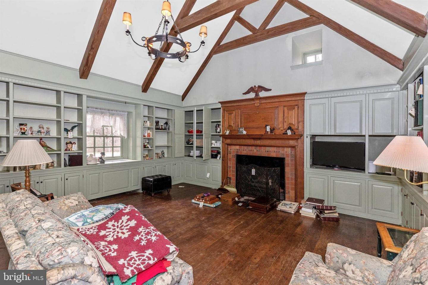 8. Detached House for Sale at 2576 BEAN ROAD Norristown, Pennsylvania 19403 United States