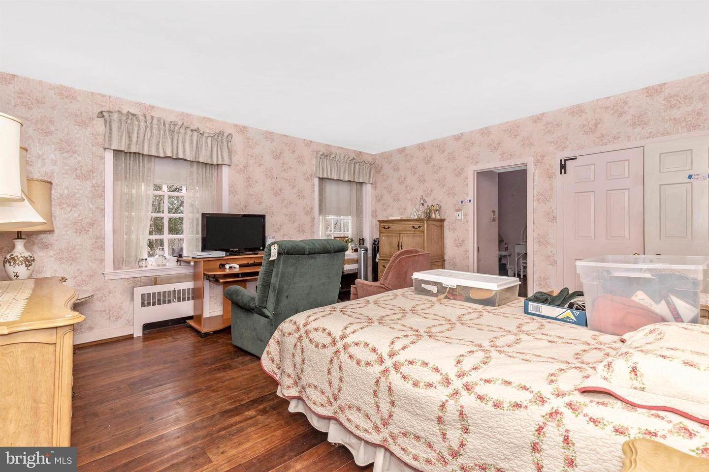 18. Detached House for Sale at 2576 BEAN ROAD Norristown, Pennsylvania 19403 United States