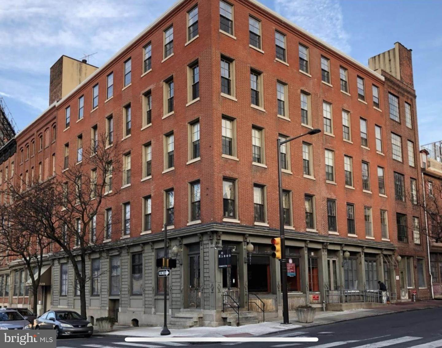 Condominiums for Sale at 205-11 N 4TH ST #F3 Philadelphia, Pennsylvania 19106 United States