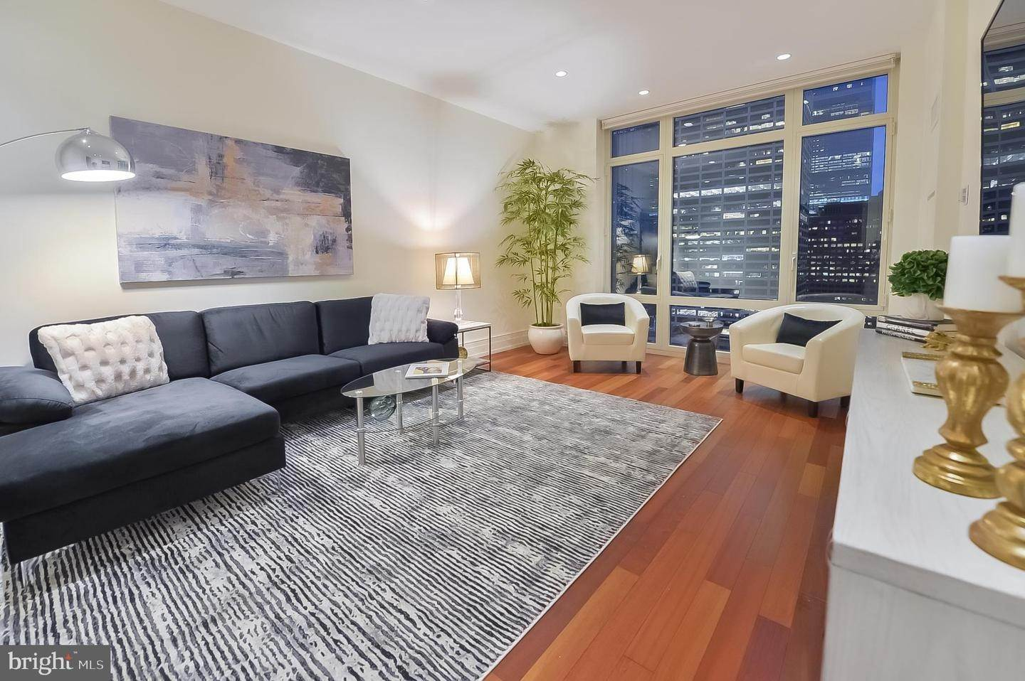 Condominiums for Sale at 130 S 18TH ST #2102 Philadelphia, Pennsylvania 19103 United States
