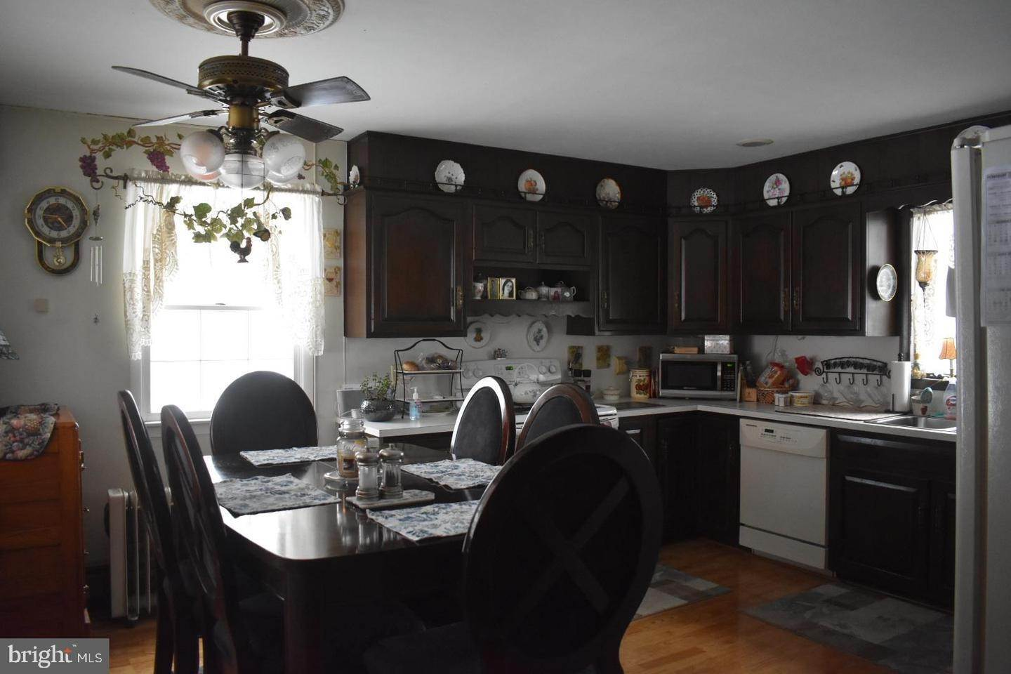 12. Detached House for Sale at 1101 BIG OAK Road Yardley, Pennsylvania 19067 United States
