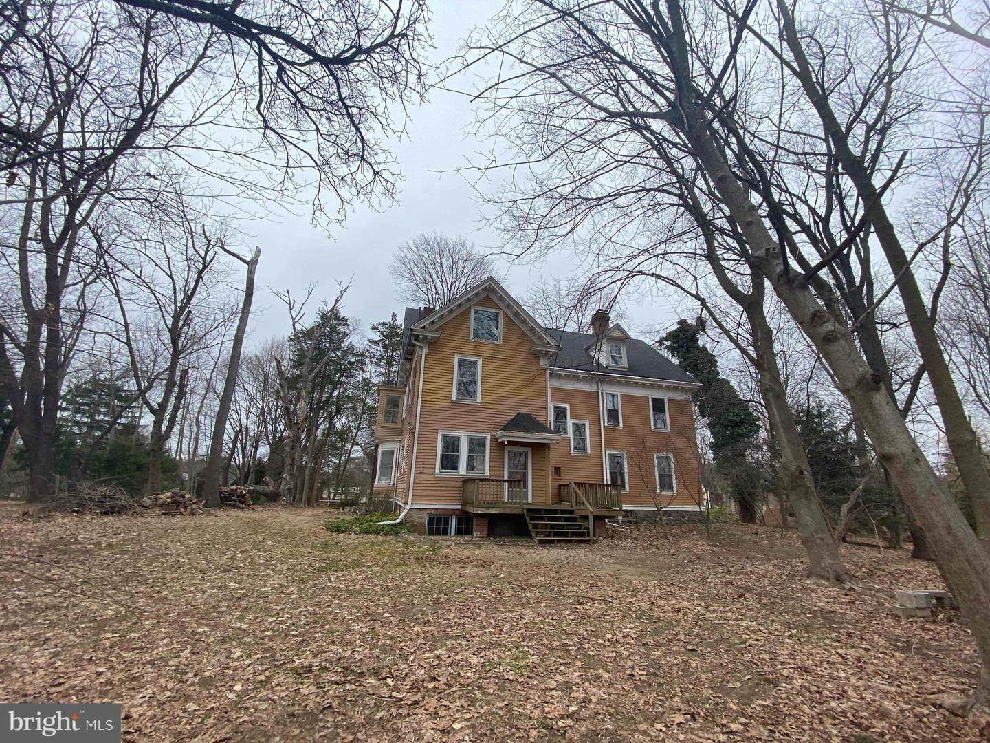 Detached House for Sale at 202 BISHOP HOLLOW Road Newtown Square, Pennsylvania 19073 United States