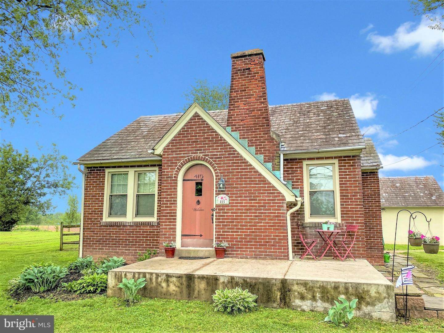 Detached House for Sale at 415 RICHLANDTOWN PIKE Quakertown, Pennsylvania 18951 United States