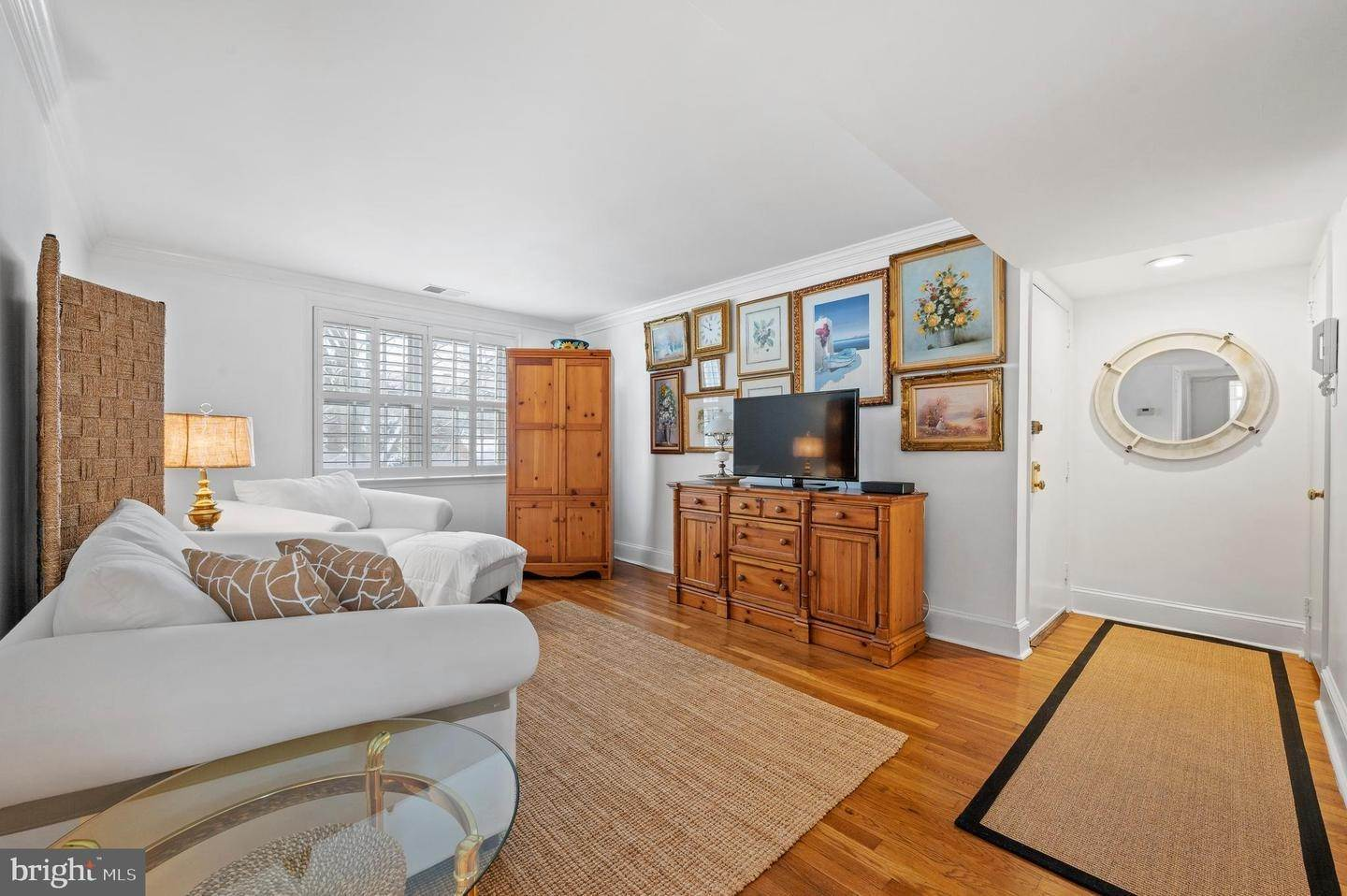 5. Condominiums for Sale at 42 CONSHOHOCKEN STATE RD #5F Bala Cynwyd, Pennsylvania 19004 United States
