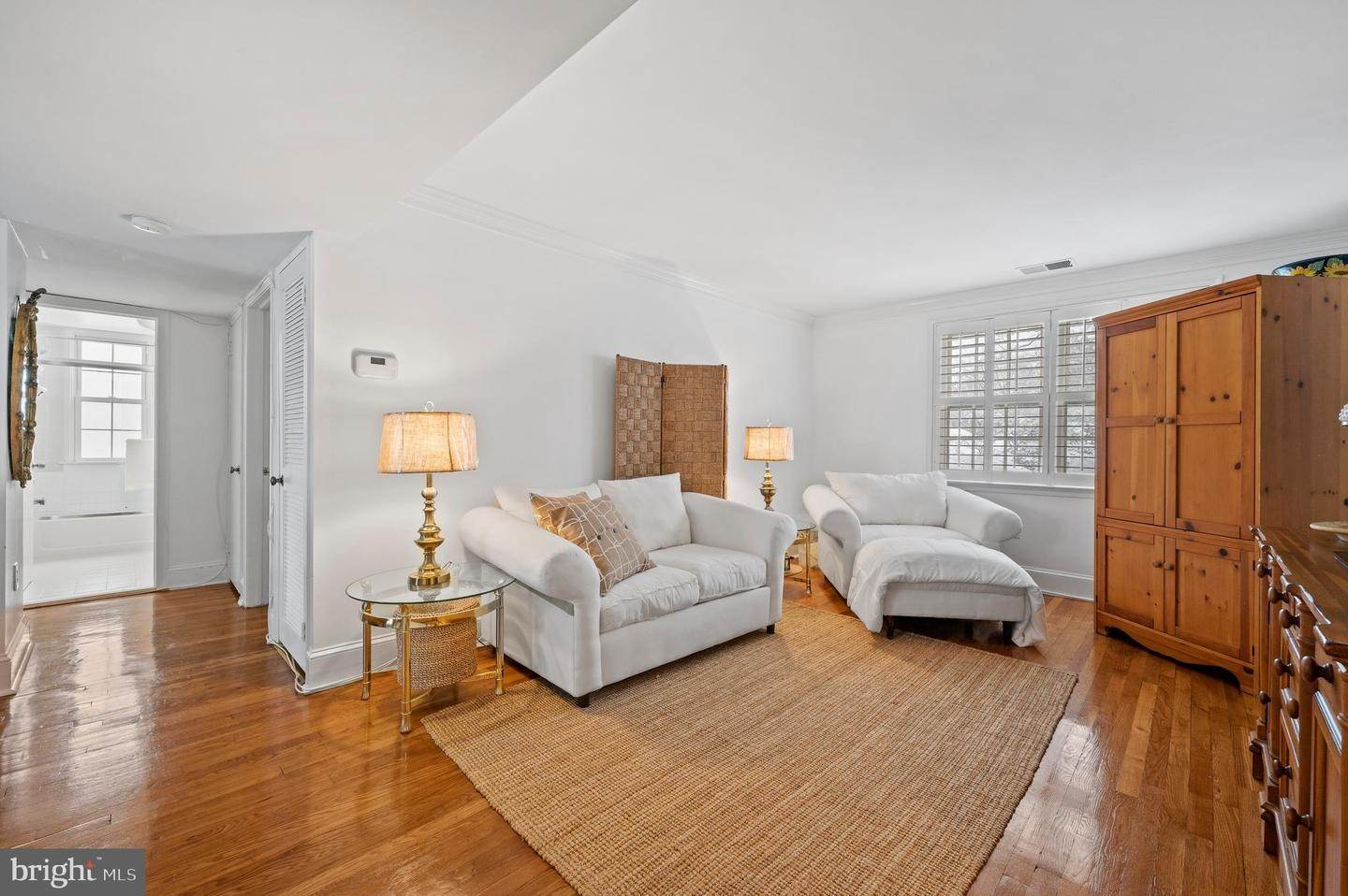 6. Condominiums for Sale at 42 CONSHOHOCKEN STATE RD #5F Bala Cynwyd, Pennsylvania 19004 United States
