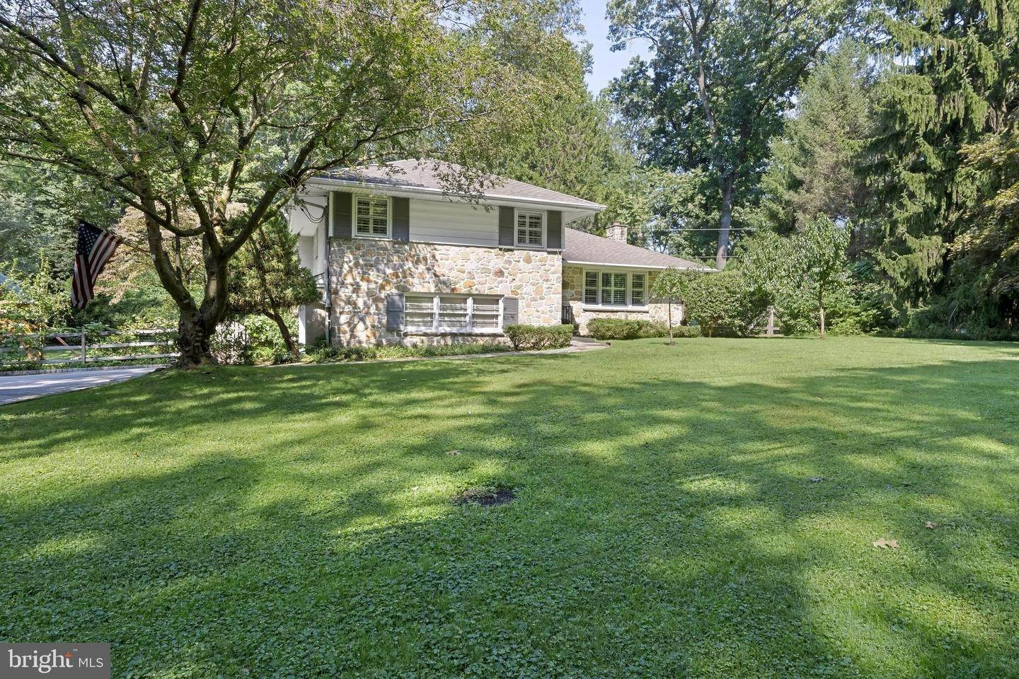 Detached House for Sale at 583 WEADLEY Road Radnor, Pennsylvania 19087 United States
