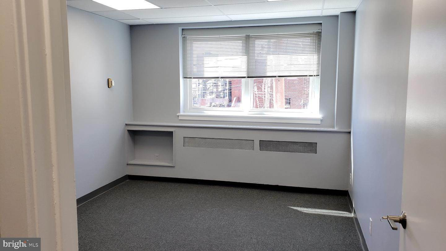 3. Offices for Sale at 1130-1136 HAMILTON Street Allentown, Pennsylvania 18101 United States