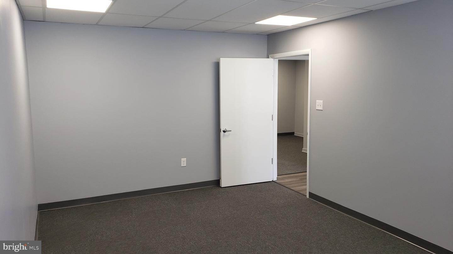 10. Offices for Sale at 1130-1136 HAMILTON Street Allentown, Pennsylvania 18101 United States