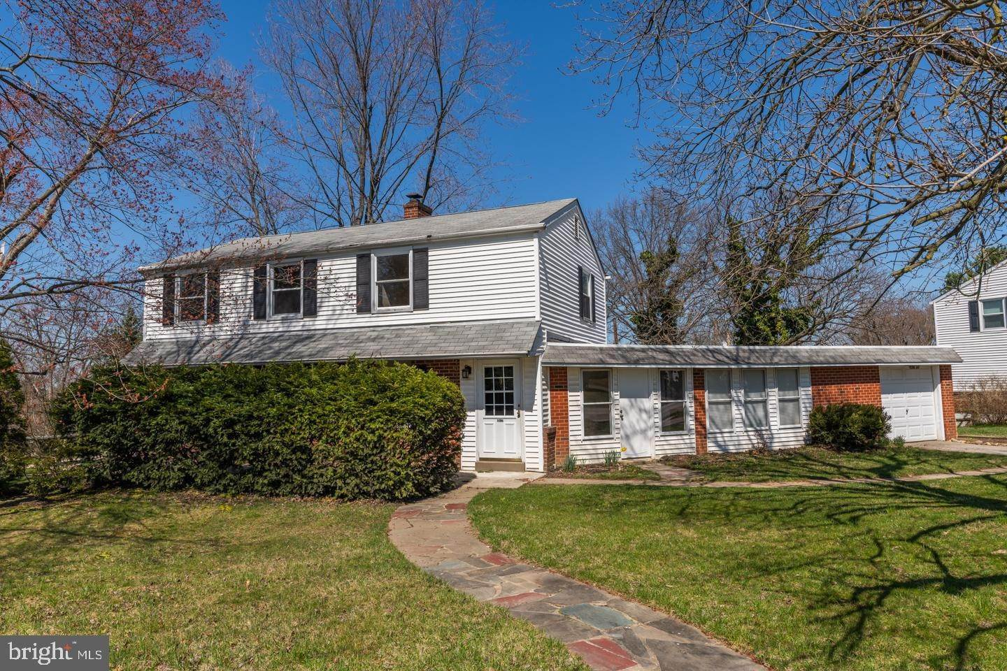 Detached House for Sale at 4037 JOSHUA Road Lafayette Hill, Pennsylvania 19444 United States
