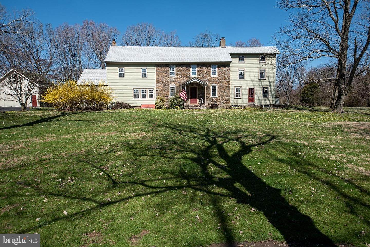 Detached House for Sale at 122 WALKER Road Washington Crossing, Pennsylvania 18977 United States