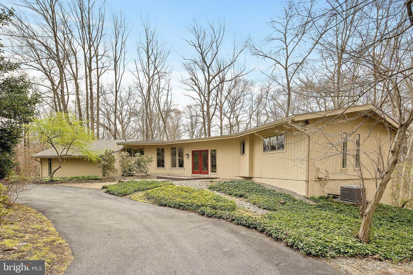 Detached House for Sale at 9 SOUTHVIEW PATH Chadds Ford, Pennsylvania 19317 United States