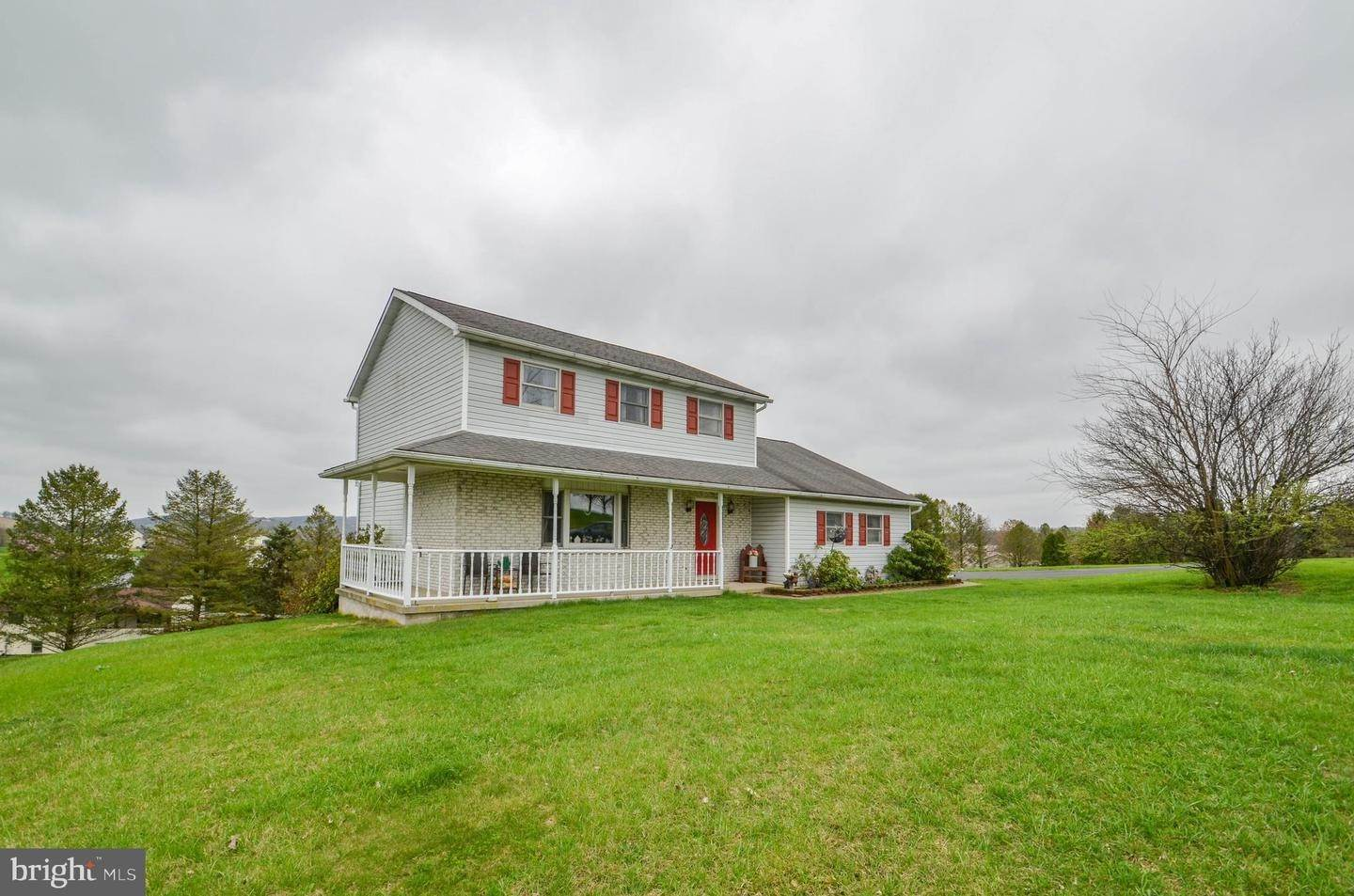 Detached House for Sale at 7790 CORAL Court Slatington, Pennsylvania 18080 United States
