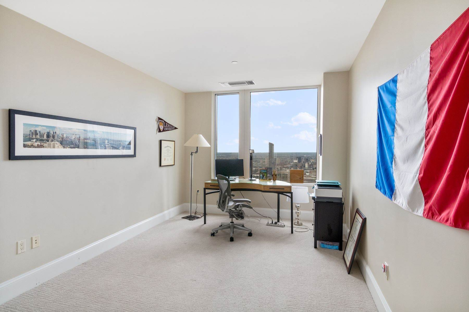 19. Apartments for Sale at 50 S 16TH ST #4202, 4202 Philadelphia, Pennsylvania 19102 United States