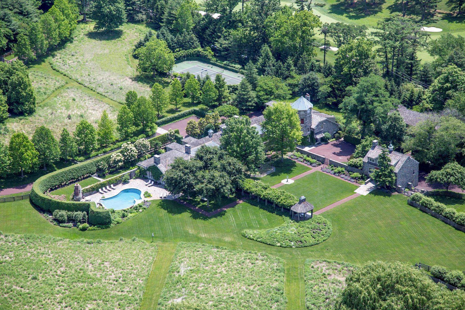 3. Single Family Homes for Sale at Albermarle Compound 770 GODFREY RD Villanova, Pennsylvania 19085 United States