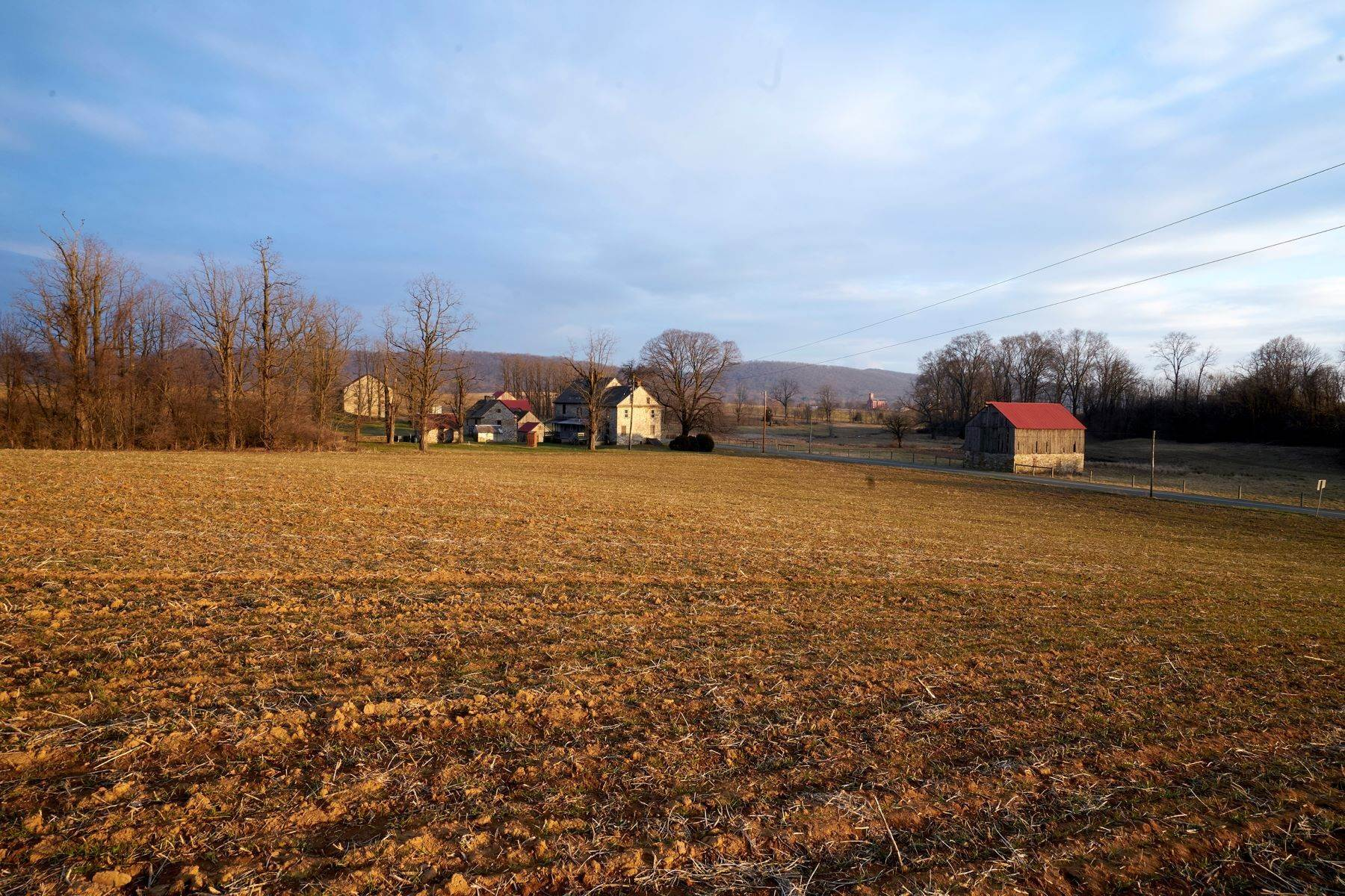 44. Single Family Homes for Sale at The Kauffman Farm 293 KAUFFMAN RD Oley, Pennsylvania 19547 United States