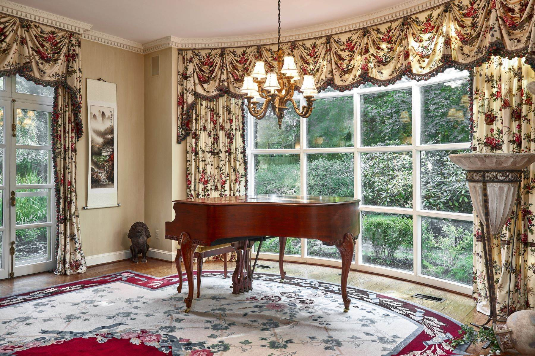 13. Single Family Homes for Sale at Stunning French Manor Home 342 GRAYS LN Haverford, Pennsylvania 19041 United States