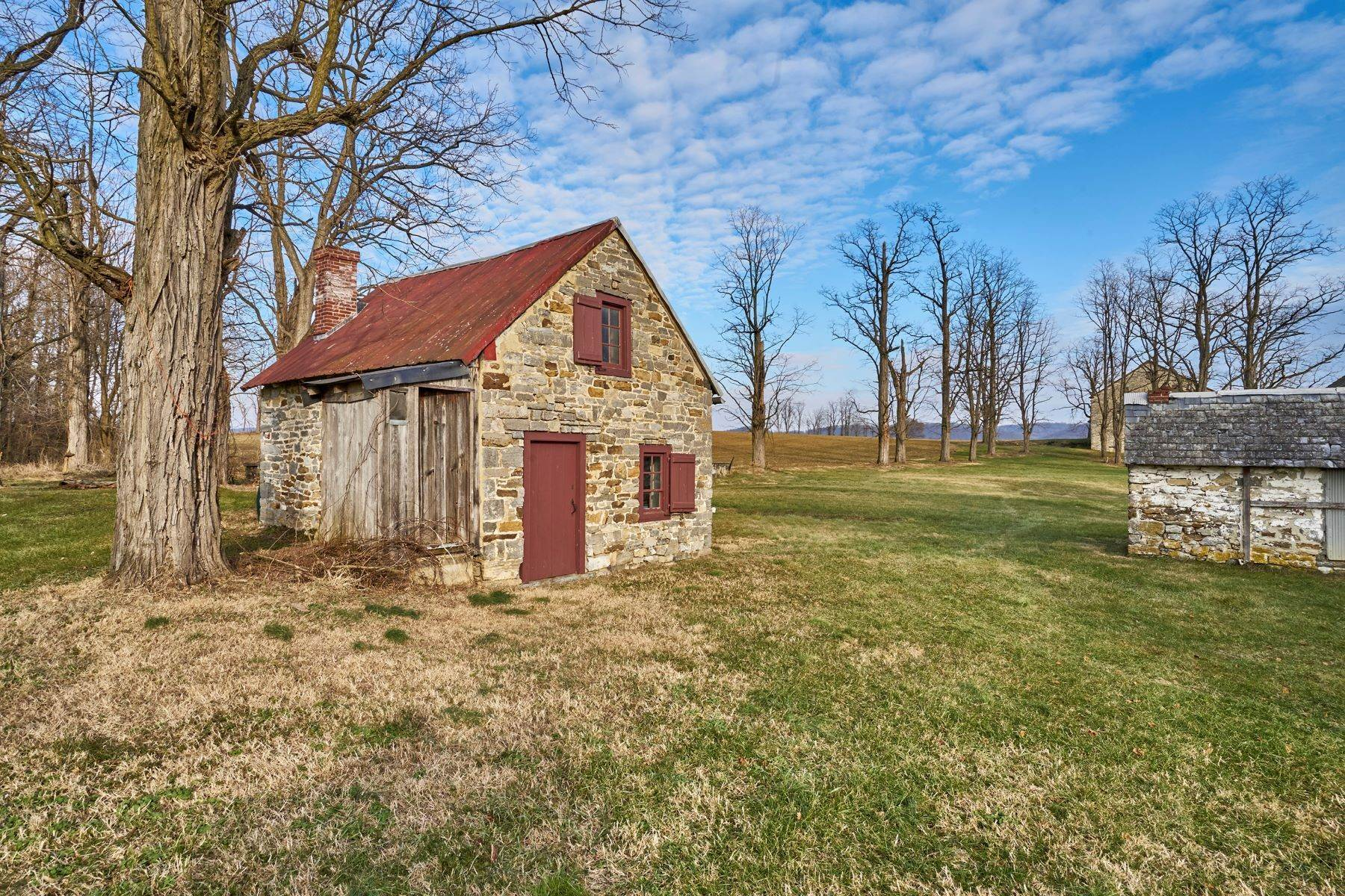 38. Single Family Homes for Sale at The Kauffman Farm 293 KAUFFMAN RD Oley, Pennsylvania 19547 United States