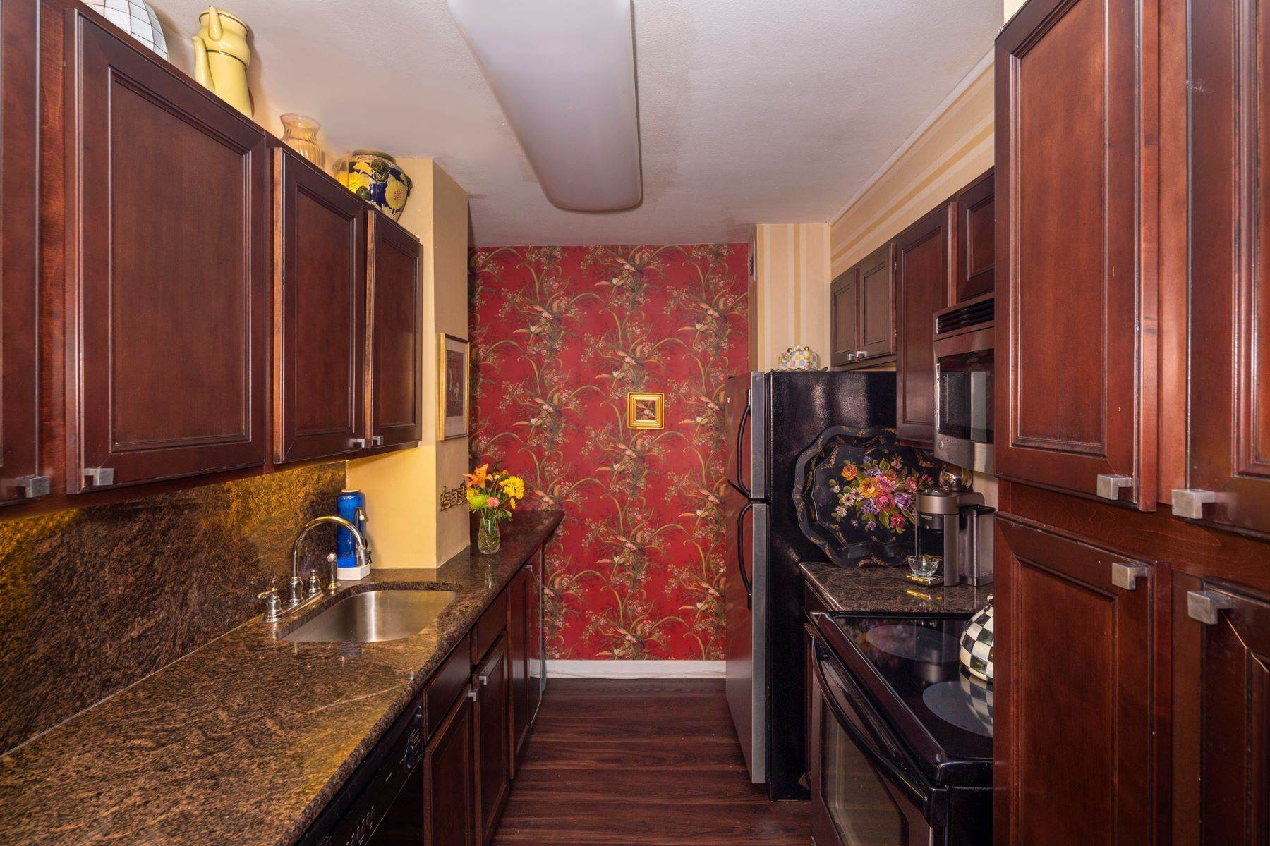 11. Apartments for Sale at 224-226 W RITTENHOUSE SQ #2001-2, 2001-2 Philadelphia, Pennsylvania 19103 United States