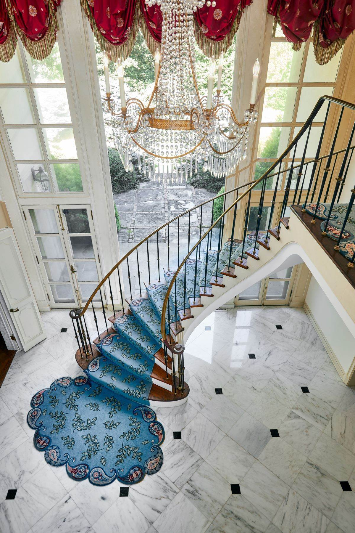 26. Single Family Homes for Sale at Stunning French Manor Home 342 GRAYS LN Haverford, Pennsylvania 19041 United States